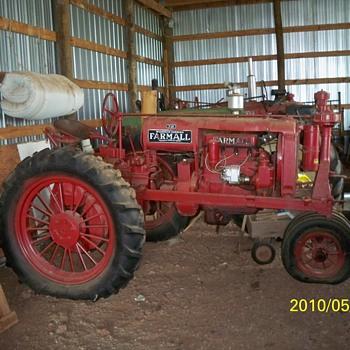 1938 Farmall F 20 tractor - Tractors