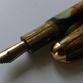 1950s celluloid fountain pen