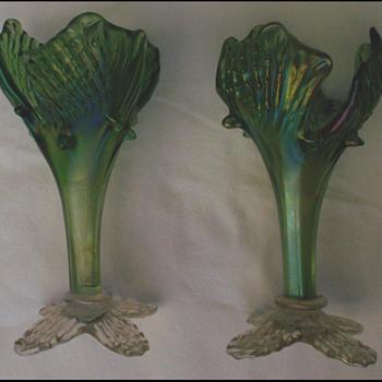 """PAIR KRALIK """"ACANTHUS """" FLOWER VASES  - Art Glass"""