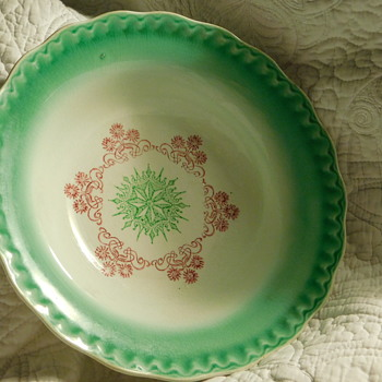 Antique Porcelain Vegetable Bowl Green & Red Burgundy Fine Crazing