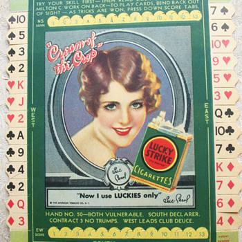 LUCKY STRIKE CARDBOARD SIGN, CARD GAME - Tobacciana