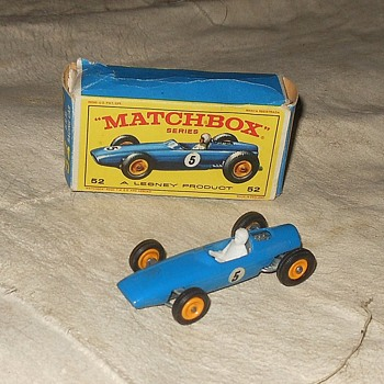 Moving On Matchbox Monday MB 52 BRM Racing Car 1965-1969 - Model Cars