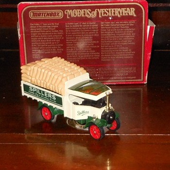 Matchbox Models of Yesteryear Y-27 Foden Steam Lorry - Model Cars