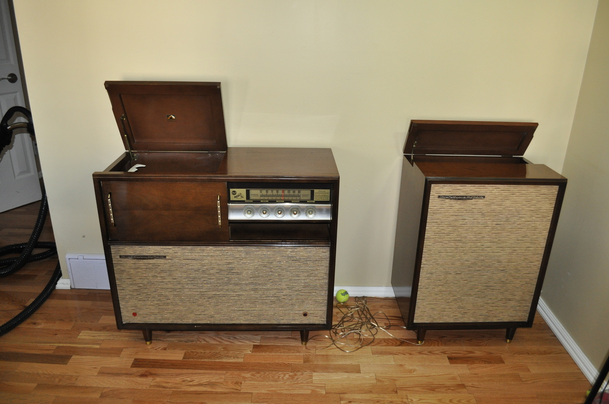 Family's First Stereo | Collectors Weekly