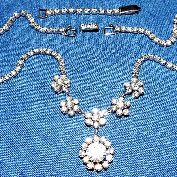 NECKLACE AND EARRING set - Costume Jewelry
