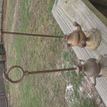 Latest grandma's basement artifacts to identify - Lamps