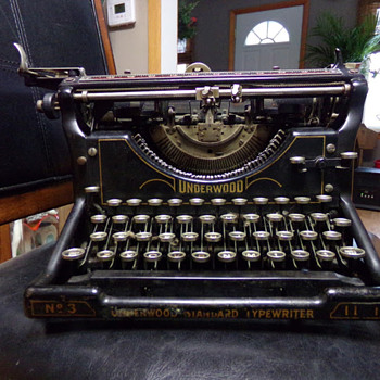 1920s Underwood No. 3 11-inch - Office