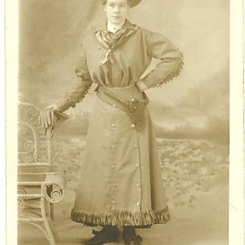 Rare Annie Oakley Photograph Postcard Circa 1895-1900 London,England