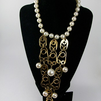 Gorgeous Vintage Bib Necklace - Costume Jewelry