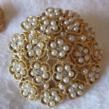 Antique/vintage pin and earrings - Fine Jewelry