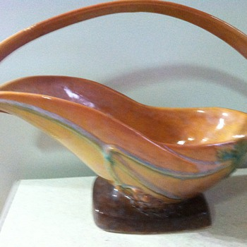 Roseville Wincraft - Pottery