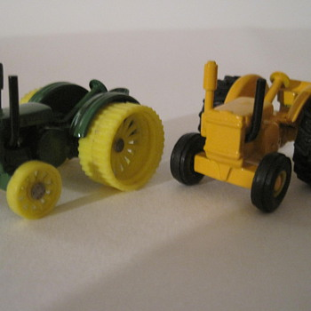custom ERTL 1/64th scale John Deere  D'S by GARGOYLECOLLECTOR