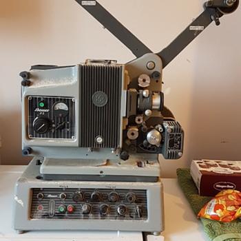 Bauer P5 Projector - Cameras