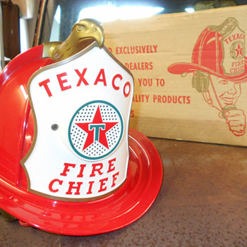 Texaco fire chief helmet - Petroliana