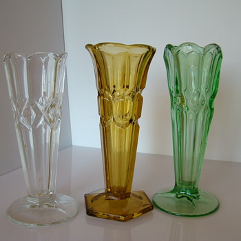 Follow-up to sklo's Czech Art Deco Pressed Glass Vases - Art Deco