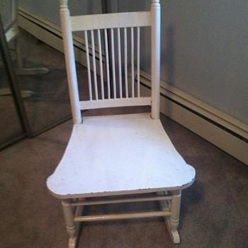 Family Rocking Chair - Help - need info