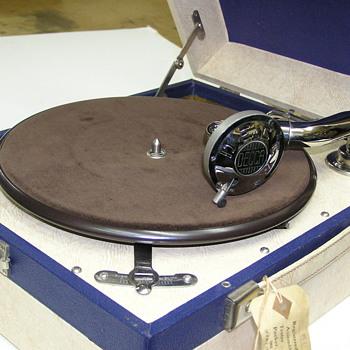 Decca 60 portable gramophone, Mint condition