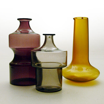 Bottles and jug from the i-lasi series, Timo Sarpaneva (1950s, Iittala) - Art Glass
