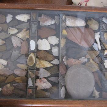 Native American stone arrowheads & tools - Native American