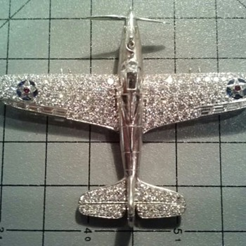 Larry Bell's Diamond and Platinum Bell Aircraft P-39/P-400/MK 1 Airacobra Brooch (Part 3)  - Fine Jewelry