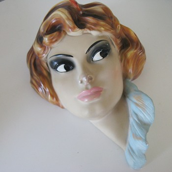 Brigitte Bardot? A flea market find - Figurines