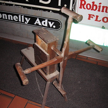 My Primitive Yarn Winder not a clock!! - Rugs and Textiles