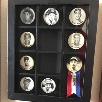 Brooklyn Dodgers PM-10 Baseball pin backs   - Baseball