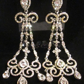Chandelier earrings -- bling bling! :) - Costume Jewelry