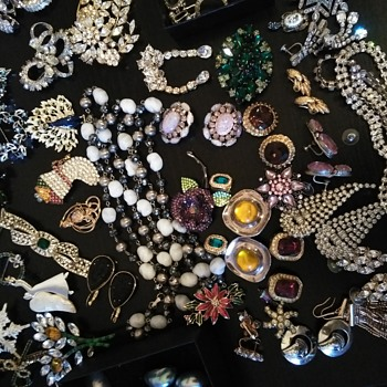 Vintage costume jewelry Auction finds - Costume Jewelry
