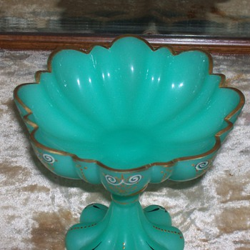 A Beautiful Satin art glass Compote. - Art Glass
