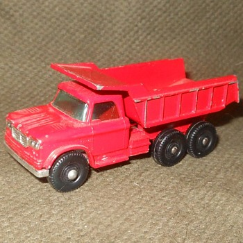 Muy Multiligual Matchbox Monday MB-48 Dodge Dumper Truck - Model Cars