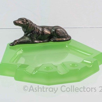Jadeite Dog Ashtray - Tobacciana