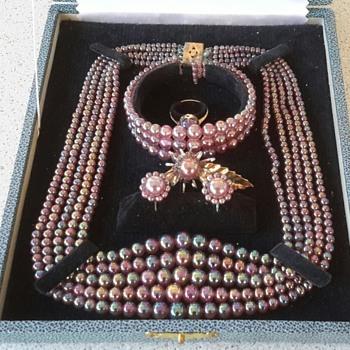 Market Find 6 piece jewellery set - Costume Jewelry
