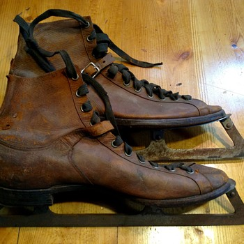 Incredibly crafted Antique Ice Skates - Sporting Goods