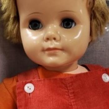 Help me identify this doll? - Dolls