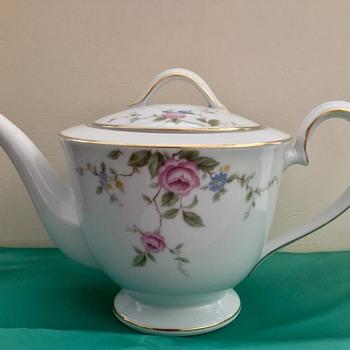 Noritake Teapot - Firenze! - China and Dinnerware
