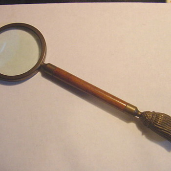 Need help dating an old magnifying glass - Accessories