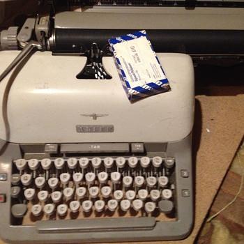 Alder typewriter