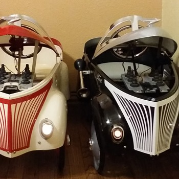GENDRON PAIR MADE TO MATCH - Toys
