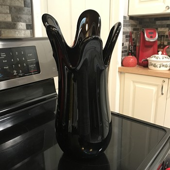 Deep Purple Glass Finger Vase Signed by Artist Need help Identifying signature  - Art Glass