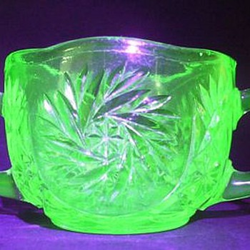 Sugar Bowl - Depression Glass ( Glows ) - Glassware