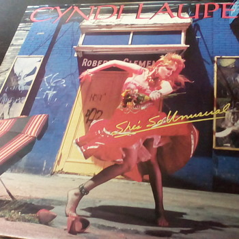 "Cyndi Lauper "" She's So Unusual "" - Records"