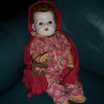AMERICAN CHARACTER LITTLE RED RIDING HOOD DOLL - Dolls