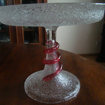 Frosted glass compote with a red serpent - Art Glass