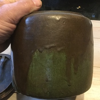 Art pottery humidor identification help - Pottery