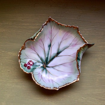 "Vintage Chubu China ""Cherry Exclusive"" leaf dish with flowers"