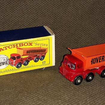 Mighty Mack Matchbox Monday MB-17 8-Wheel Tipper 1965 - Model Cars