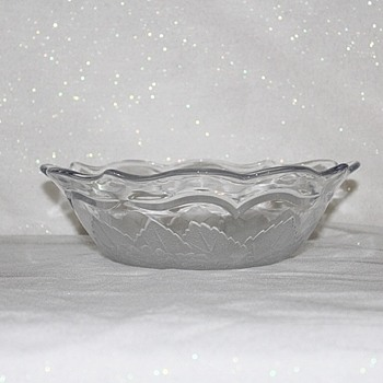 "FROSTED BOWL 9"" DIAMETER - Glassware"