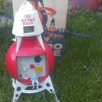 "1960's ""Ideal"" Astro base !!!!! - Toys"
