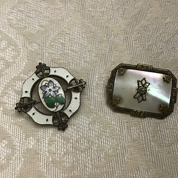 Two old brooches - Costume Jewelry